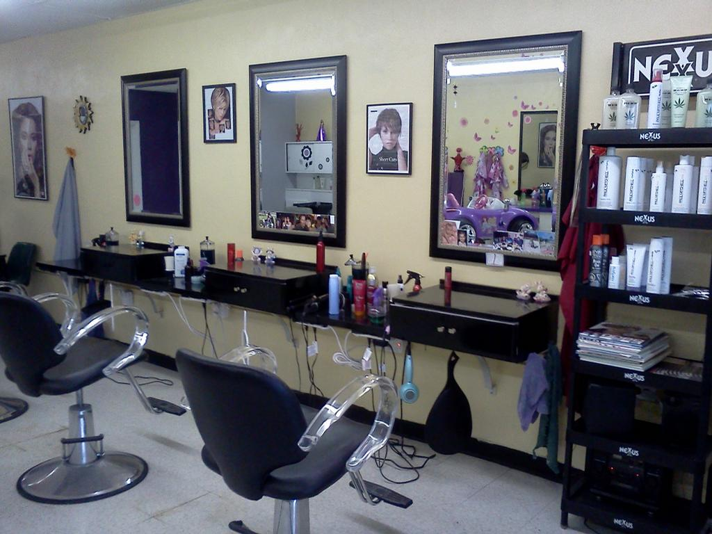 The Waves Salon