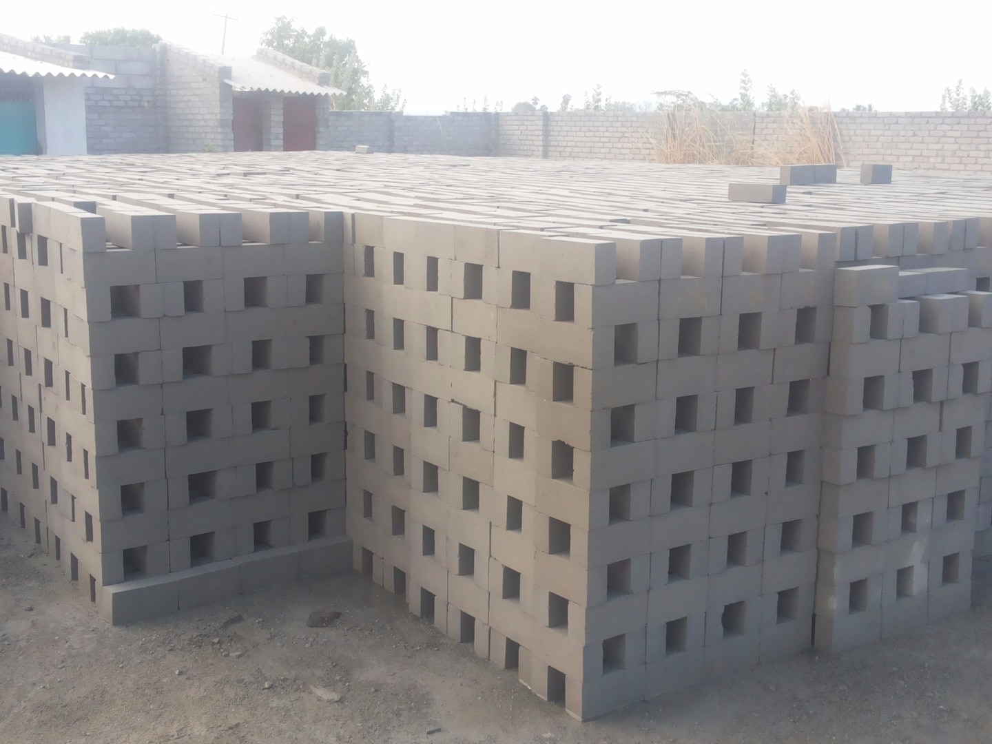 Ponmani Bricks 8680821111