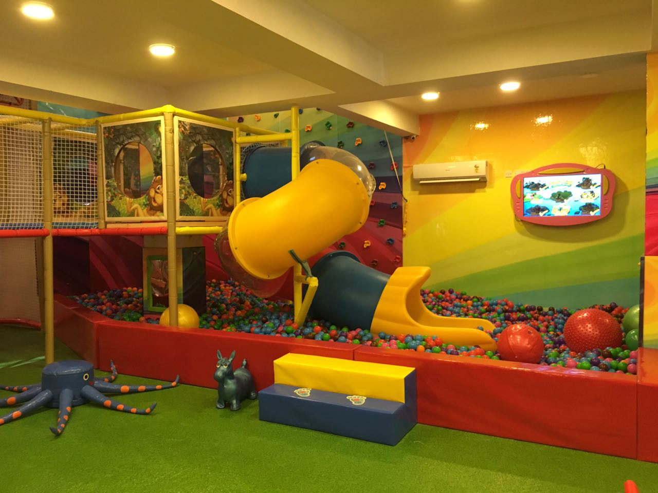 image of The Funbox 9818990064