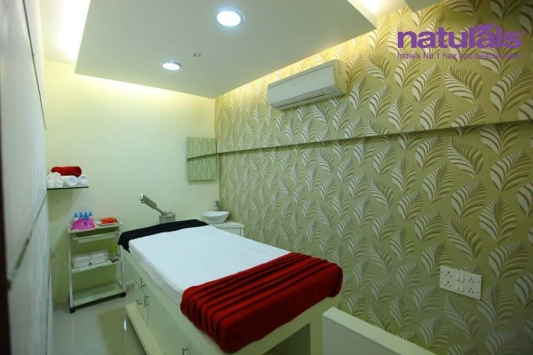 Naturals Salon - Cannaught Place, Aurangabad