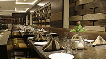 Hotel Platinum Inn - Silver Dine Restaurant