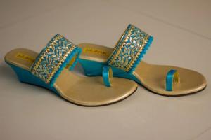 Blinkk : Customized Footwear Store