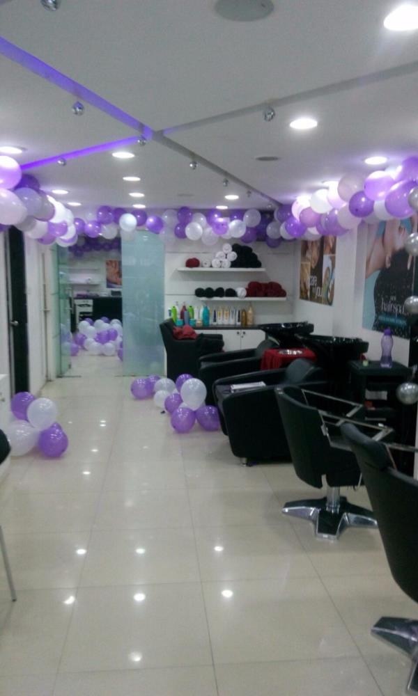 Naturals Salon Dwarka