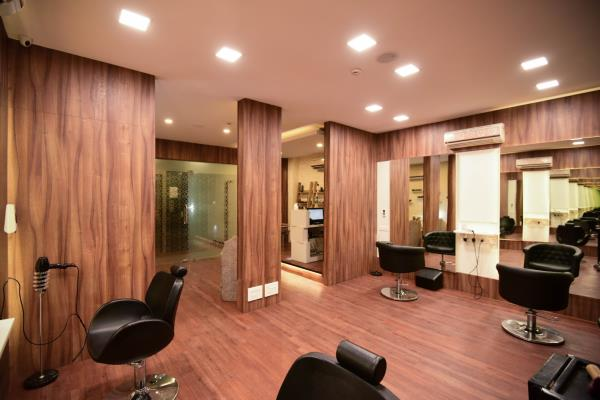 Luxx Salon and Spa