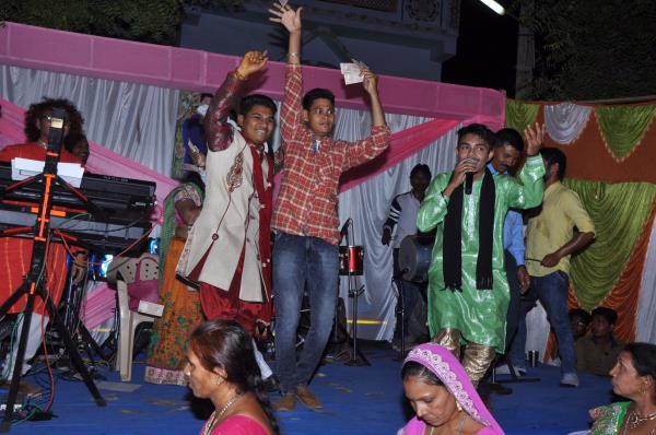 Asrani&party