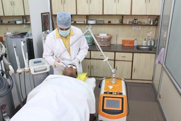 Dr Puneet Goyal, 9414027285                                        Renova Skin Clinic