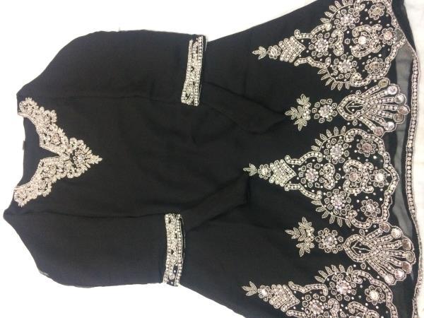 Lamaan Clothing