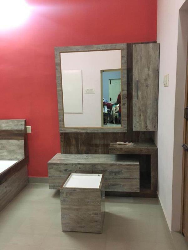 Vardhaman Glass N Plywood