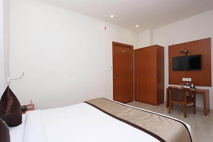 Hotel Paras Royale