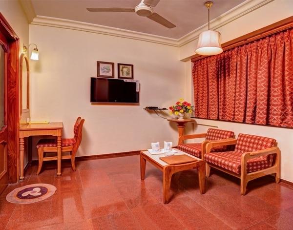Hotel Pinnacle : Comfort Speaks